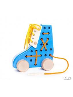 Sznurowaniec niebieski but