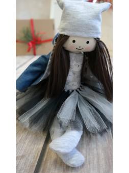 lalka z naturalnymi włosami