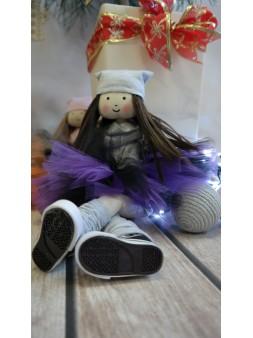 lalka w trampkach