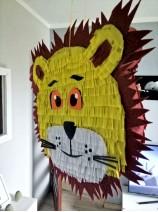 piniata król lew
