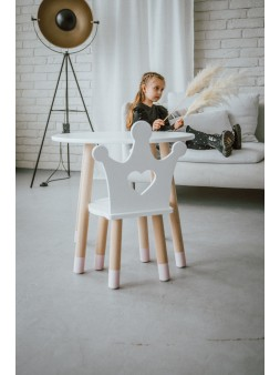 Biały stolik i krzesełko dla dzieci