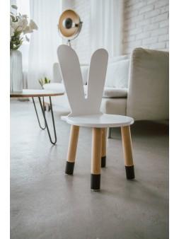 Czarno białe krzesełko dla dziecka