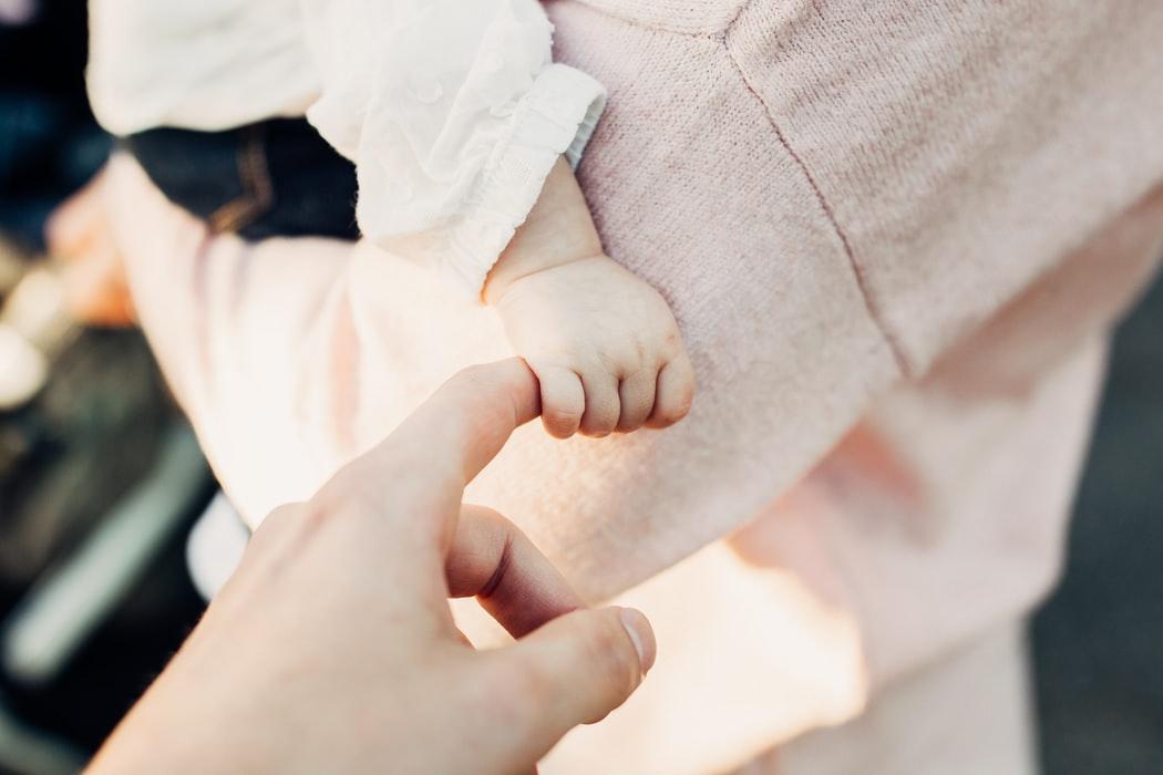 Jak dbać o bezpieczeństwo dziecka w domu
